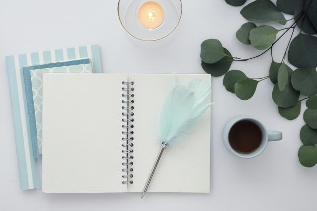エンディングノートとペン