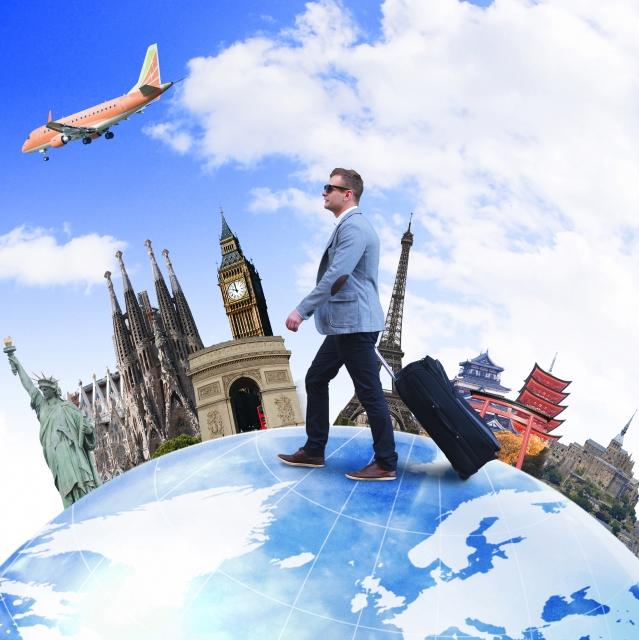 世界を旅する男性